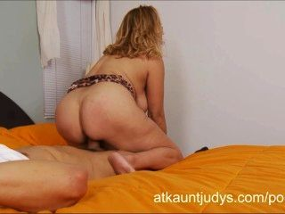Over 40 Sexy Milf Sophia Jewel Fucks Her Younger Lover
