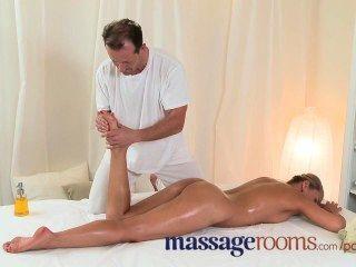 Massage Rooms Wet Zuzana Has Deep Orgasm Before Getting A Heavy Spunk Load