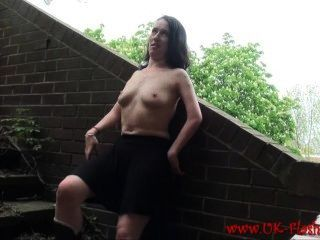 Flashing Amateur Babe Fae Corbins Public Masturbation And Voyeurism Outdoor