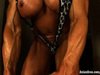 Female Bodybuilder Fucks A Dildo In The Tmb-pic7307