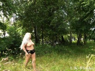 Blonde Goth Babes Bbw Flashing And Outdoor Exhibitionism Of Naughty Eden