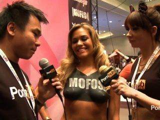 Pornhubtv Mia Malkova Interview At 2014 Avn Awards