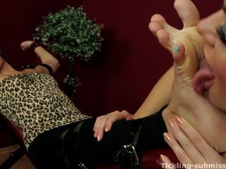 Czechsexyfeet - Corazon Worships Wrinkled Arches