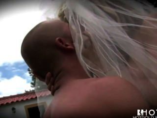 Hotgold Anxious Horny Bride Banged At Her Wedding Outdoors