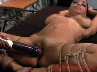Huge dildo in mature ass