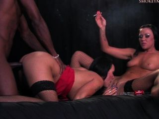 Smoking Threesome Hd