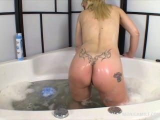 Homemade michigan amateur blonde cheating porn videos free_5492