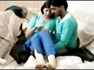 Desperate Pakistani Girl Kissing And Fucking Boyfriend Mms 2