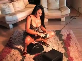 Mariah Milano Has A Screaming Orgasm On The Sybian!