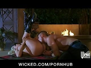 Big-tit Blonde Slut Pornstar Stormy Daniels Fucks Big-dick Outdoo