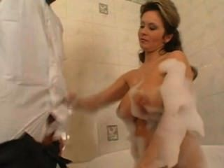 Milf Gets Fucked By Younger Guy In A Bath