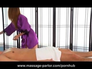 Kassius Kay Gives A Deep Massage