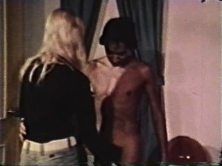 Peepshow Loops 328 1970s - Scene 3