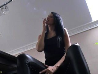 Lady Gold Smoking In Tight Leather