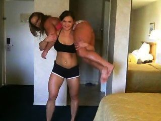 2 Strong Girls