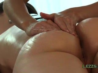 Perfect Ass Brunette Gets Massage