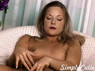 Fingering 18yo Blonde