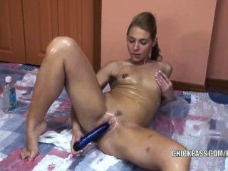 Horny Coed Lina Covered In Oil And Fucking A Dildo