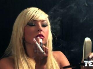 Smoking Fetish - Morgan Lee