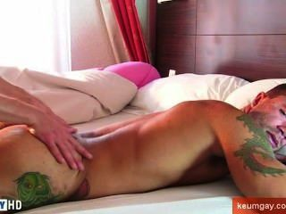This Athletic Guy Get Wanked His Huge Cock In Spite Of Him Ass Massage