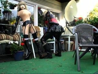 Roxina2009latexgurlingarden130909