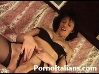 Clean shaved desi milf pussy