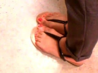 Hot Arab Candid Feet In Sexy Sandals