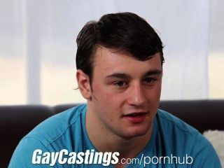 Gaycastings Muscular Athlete Shows Cock For Cash