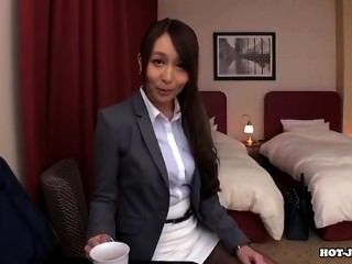 Japanese Girls Attacked Sexy Mother In Bed Room.avi