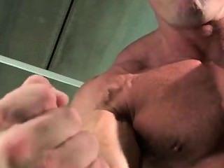 Caesar - Muscle Hunk Jacks Off