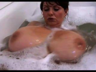 Milf Washing Her Big Tits