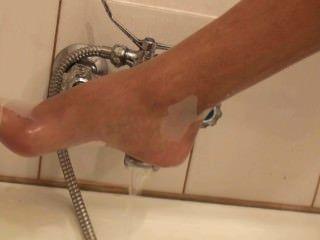 Nfp Sara Takes A Bath White Rt Ph