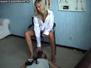 2 Gorgeous Babes Force Dude To Worship There Perfect Feet