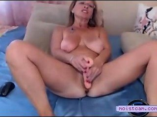 [moistcam.com] Filthy Mum Toys Her Hairy Hole! [free Xxx Cam]