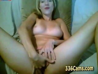 Sexy Blonde Masturbate Show On Webcam