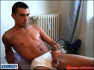 Very Sexy Guy With Enormous Cock Get Wanked By A Guy !