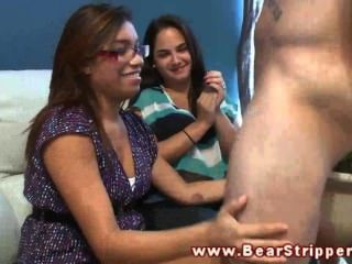 Real Cfnm Brunette Getting Oral From The Strippers