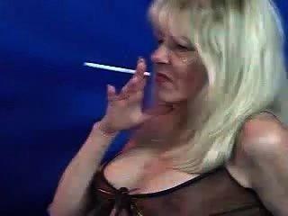 Gorgeous Old Milf Whore Smoking 120s