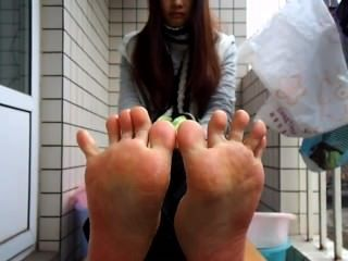 Chinese Toes