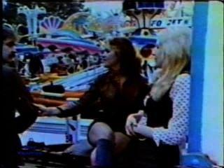 Peepshow Loops 105 70s And 80s - Scene 1
