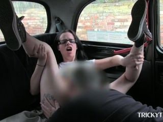Lusty Brunette Amateur Having Wild Oral Sex In The Taxi