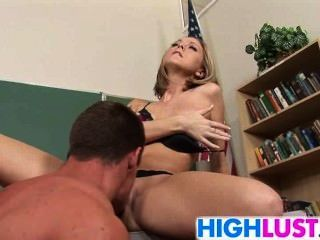Scarlett Fay Gives Head And Gets Fucked