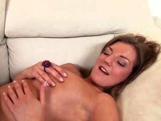 Beautiful Teenager Pussytomouth