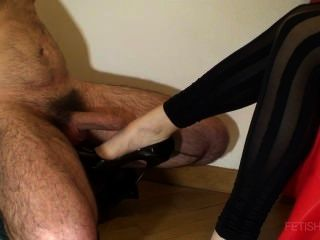 Shoejob With Shiny Pumps And Cumshot On Leg
