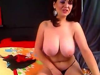 Amateur Brunette Mature Big Natural Boobs Masturbating