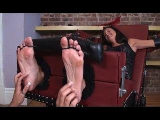 Milf Tickle 3