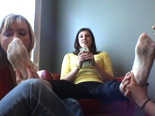 Lick Donatella Feet