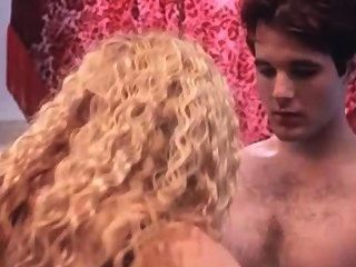 Sara Rue sex scene in Gypsy 83