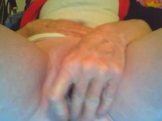 Just A Bit Bored And Want To Have This Pussy Played With 24/7,enjoy