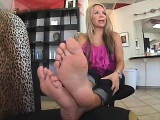 Feet Fetish Chick